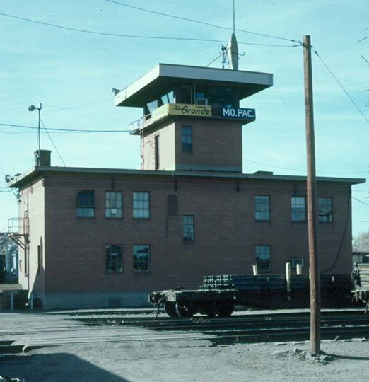 Pueblo Yard Tower